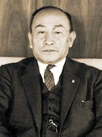 鈴木 勇吾 氏